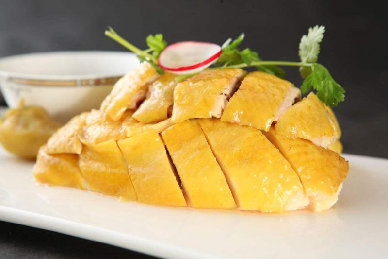 Guangzhou traditional Cantonese cuisine poached chicken